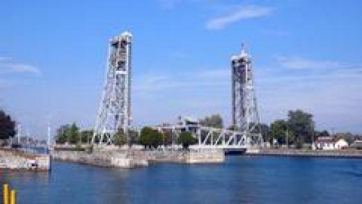 Clarence Street Bridge